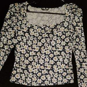 Daisy print long sleeve